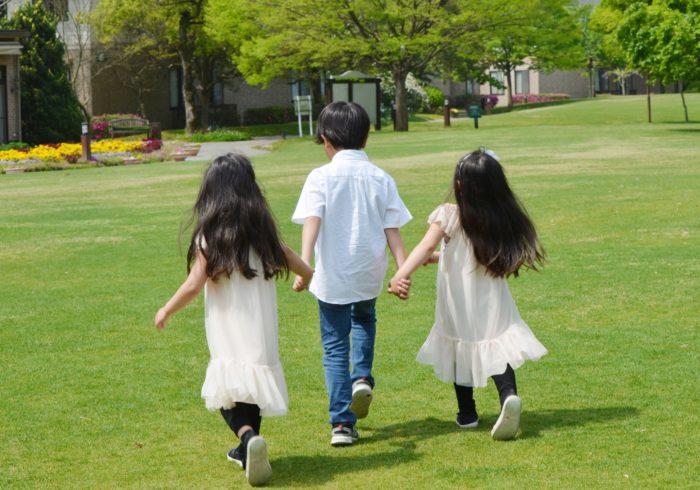 子供三人に必要な月々の教育費って?効率的にお金を貯める方法を紹介