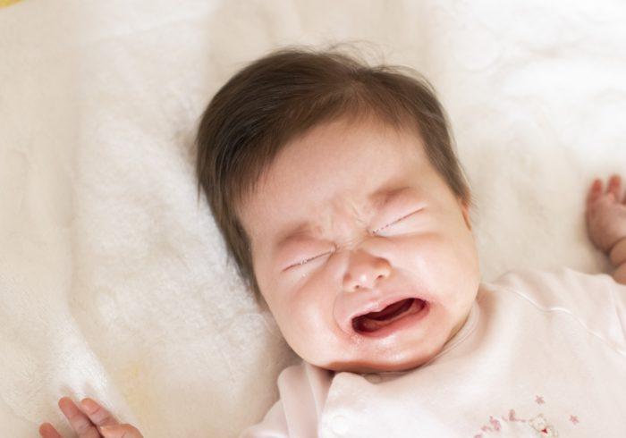 赤ちゃんはなぜ夜泣きをするの?夜泣きの理由や対策を紹介します