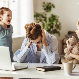 子供との距離が近くてストレスを感じたら?【家庭で子供とうまく距離を取る方法】