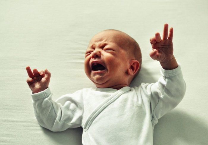 乳幼児の睡眠時間が短いのはなぜ?その理由と睡眠時間を整えるコツ