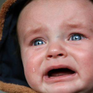 1歳児の夜泣きが止まらない!原因と3つの対処方法を解説