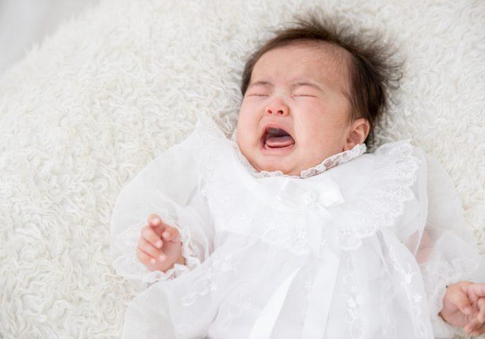子どもの夜泣きはなぜ起こる?原因と年齢別の対処方法を解説