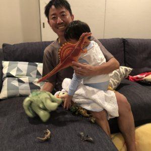 【チュートリアル福田の育児エッセイ・65】息子はうーたん、パパはワンワン役でいつもお人形遊びをしています。