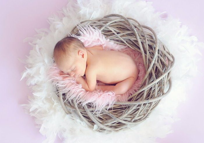 陣痛から出産までどのくらいの時間がかかる?かかる時間や流れを紹介