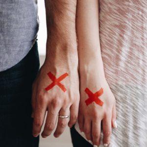 離婚する夫婦の前兆とは?3つの特徴と気づいたときの対応策を紹介
