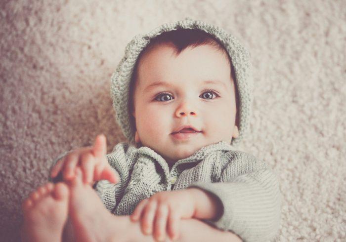 赤ちゃんのアトピーの特徴は?原因や対策法も知っておこう