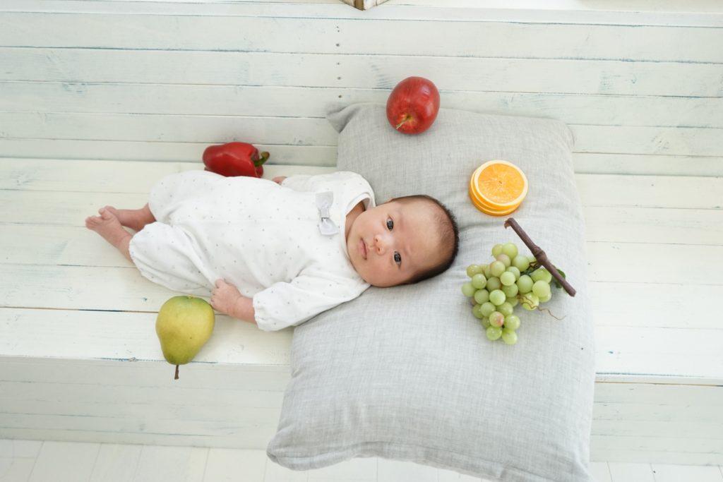 張る 赤ちゃん お腹