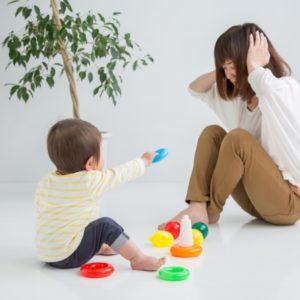 頭痛、めまい…その症状は育児疲れかも?原因や対策を解説