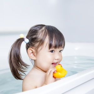 子供とお風呂は何歳までOK?ひとりでの入浴させるときに気をつけたいこと