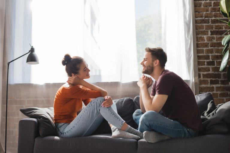クリスマスプレゼント選びのための夫婦の会話