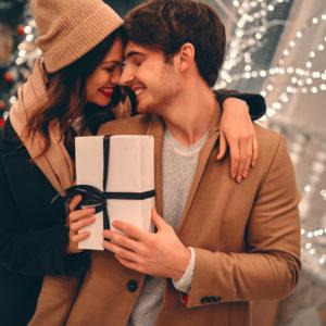 夫へのクリスマスプレゼントは何をあげる?夫が喜ぶプレゼントの選び方