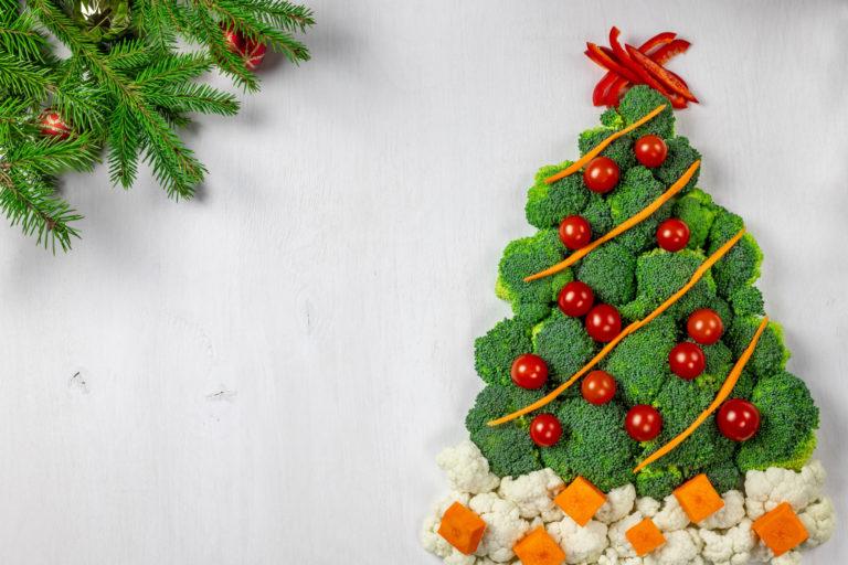 ブロッコリーとミニトマトのクリスマスツリーサラダ