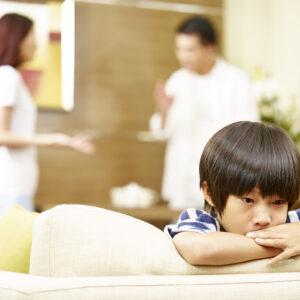 子供の人生を左右する!悪影響になる親の習慣とは?