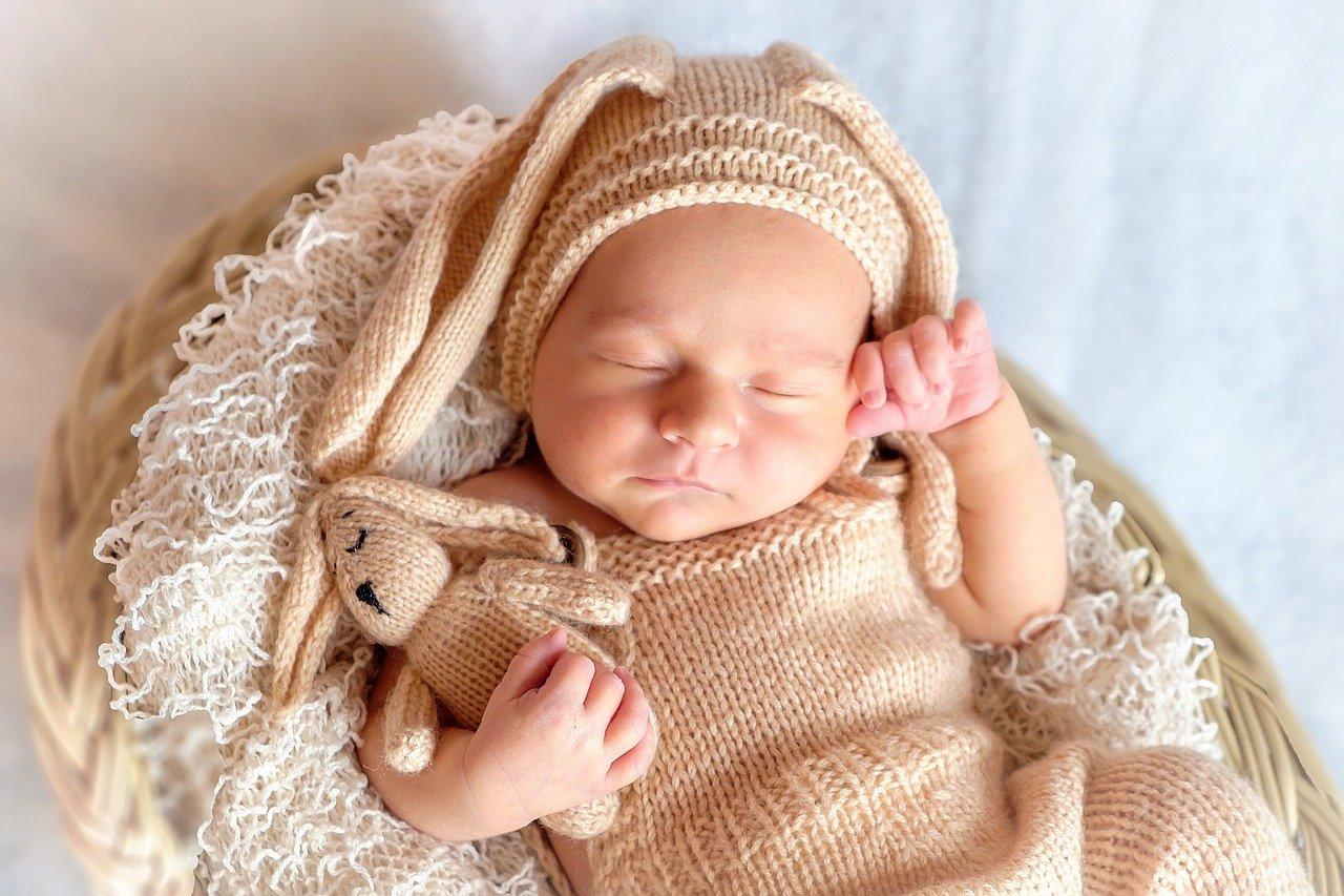 ダウン症 特徴 新生児