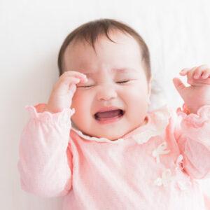 授乳後に赤ちゃんがぐずるのはなぜ?原因とぐずるときの対処法とは