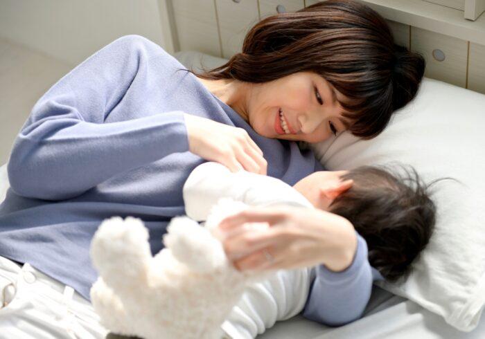 添い寝は危険なの?赤ちゃんを上手に寝かしつけるコツ