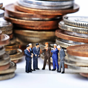 お金に囲まれている人々