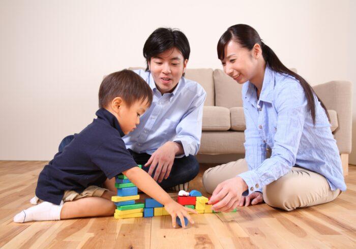 知育玩具を年齢別に紹介!発育段階に合わせた内容と選び方のコツ