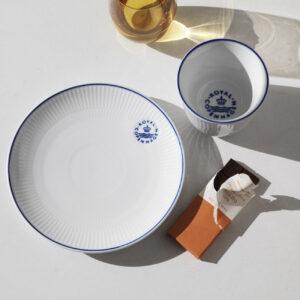 クラス感のある食卓づくりに欲しい ロイヤルコペンハーゲンの新シリーズ「BLUELINE」を先取りチェック