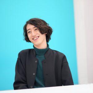 実力派ピアニスト、人気YouTuber、東大卒研究者の顔をもつ角野隼斗さんは、どのように育ったのか