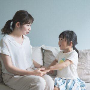 子どもの「アスペルガー症候群」とは?話し方の4つの特徴を解説