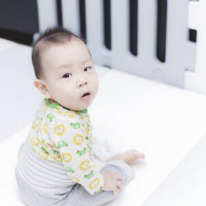 赤ちゃんの様子がおかしい!幼児期の自閉症の特徴や原因を解説