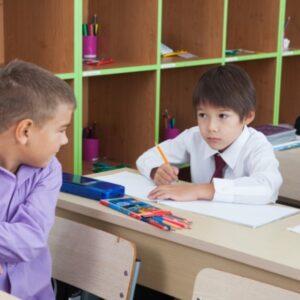 子供がいじめているのを知ったらどうすればいい?親としての対応とは