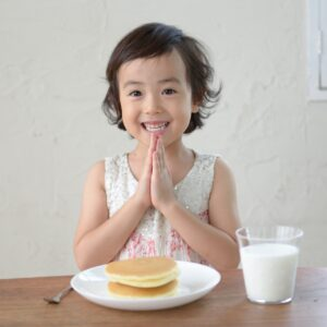 子供のしつけ!食事マナーはいつから、どのように教えるべきか?