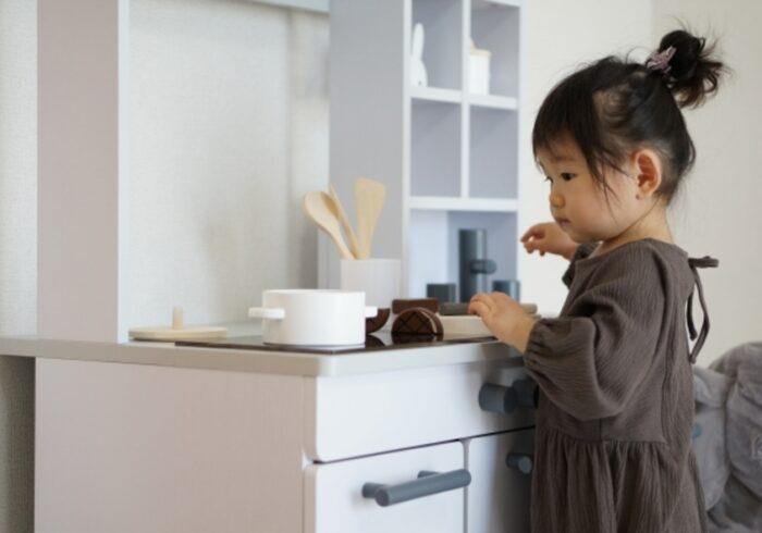 1歳の子どものおもちゃはどう選ぶ?男女別のランキングと注意点