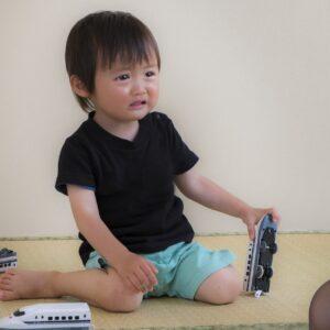 2歳のイヤイヤ期っていつまで続くの?上手な対処方法とは?