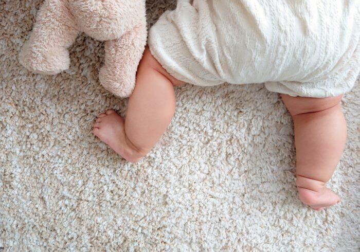 1歳まで歩かない原因は?歩けるのに歩かない子への対応を紹介