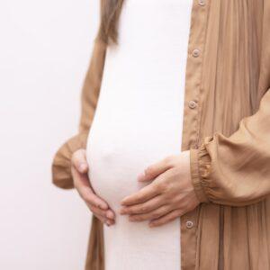 妊娠初期の足の付け根が痛む理由とは?おすすめの解消法をご紹介!