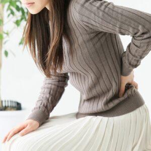 なぜ妊娠初期に腰痛が起こるの?原因や症状を改善する方法を紹介