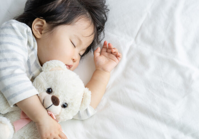 子供が寝すぎてしまう原因とは? 原因や対策を解説