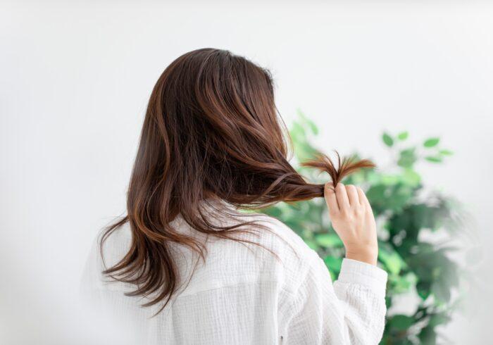 産後の抜け毛はいつから?起こる理由や効果的な対策をチェック