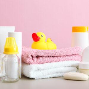 赤ちゃんの肌はどうして乾燥しやすいの? 原因と対策を解説