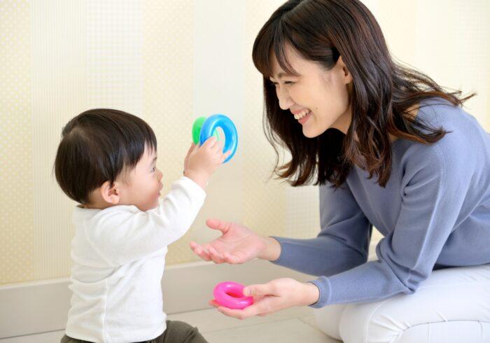 おもちゃの与えすぎは悪影響?おもちゃを与える時期やNGな理由とは