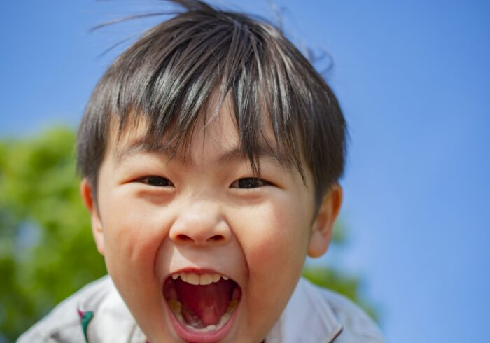 心も体も大きく育つ4歳児。どう接するのが正解?発達の目安も紹介