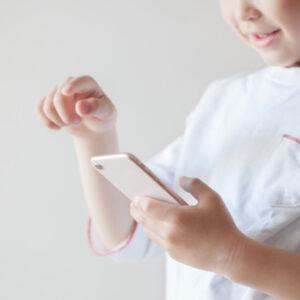 スマホが子供に与える5つの悪影響を紹介!親子で上手く活用しよう!