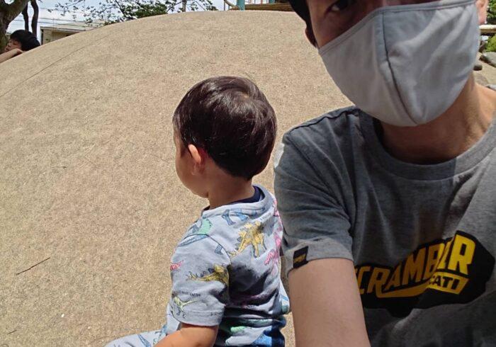 【チュートリアル福田の育児エッセイ・82】着るものも、毎日恐竜柄がいい !となってしまった息子は……。