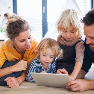 育児にスマホを活用しよう! 学力も伸びるスマホの使い方とは