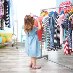 子供の衣料費の平均はいくら? 平均金額と、服を購入する際の考え方