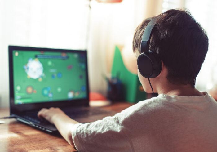 室内遊びにゲームで知的能力が育つ? 無料版もあるゲームソフトを紹介