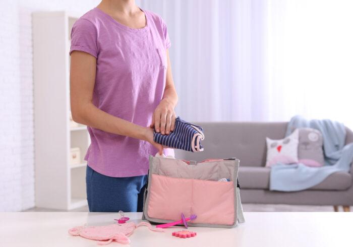 ママの荷物を減らすには? 月齢別の荷物の減らし方とは