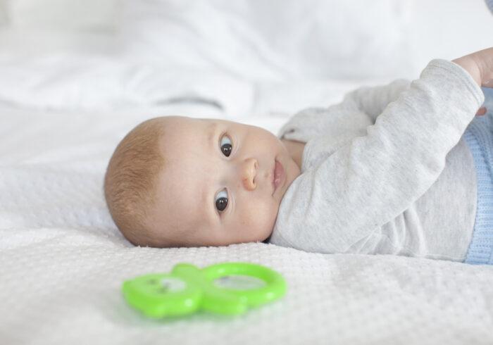 夜に寝ない新生児が心配!寝てくれない原因や注意すべき3つのこと