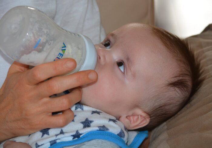 新生児がむせる原因はさまざま!正しい対処法を習得しよう