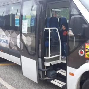 【フランスからの報告】フランスのスクールバスはなぜ安全か